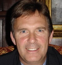 Head shot of Ian Crompton