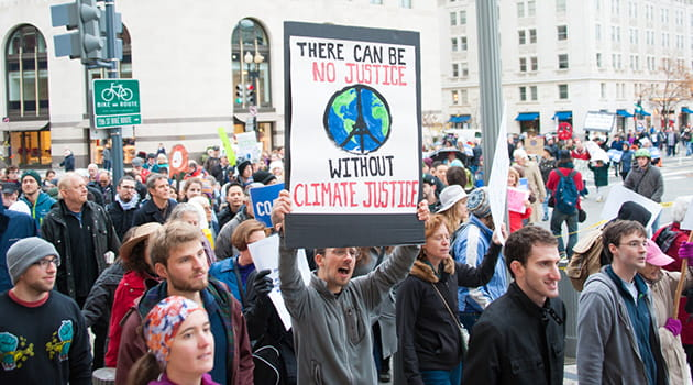 /-/media/economia/images/article-images/climate-change-protest-630.ashx