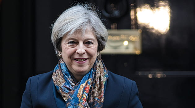 /-/media/economia/images/article-images/theresa-may-smiling-630.ashx
