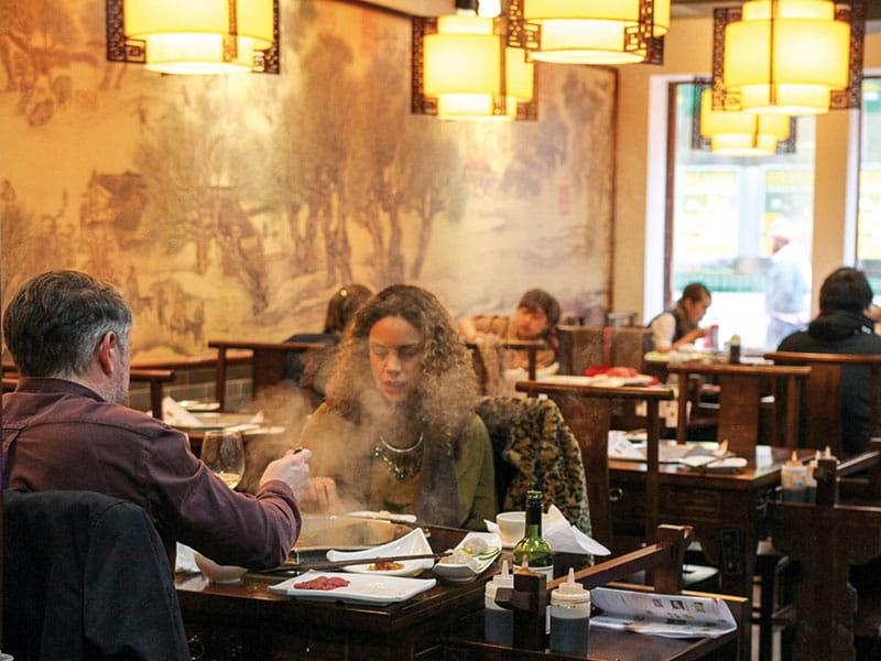 life restaurants eating couple 800